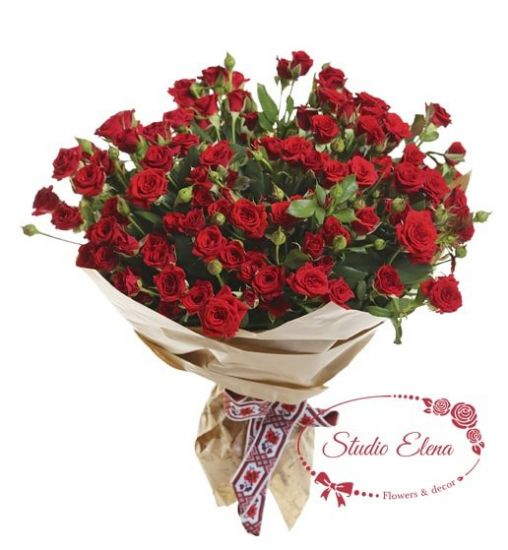 Букет з червоною кущовий троянди - Вогник