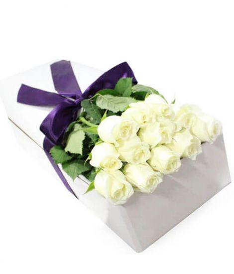 13 білих троянд - Сюрприз в білій коробці