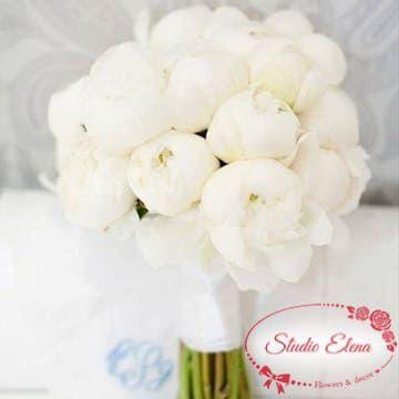 Свадебный букет из белых пионов — Габриэлла