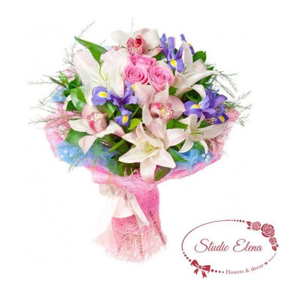 Ніжний букет квітів - Рожеве мереживо