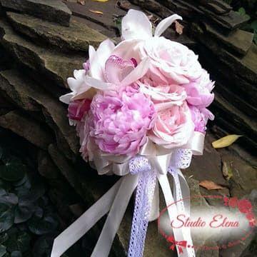 Весільний букет з піонів і троянд - Беларія