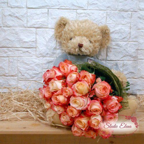 Розы с мягкой игрушкой — супер подарок