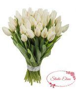 Аккуратный букет из белых тюльпанов — Весенняя капель