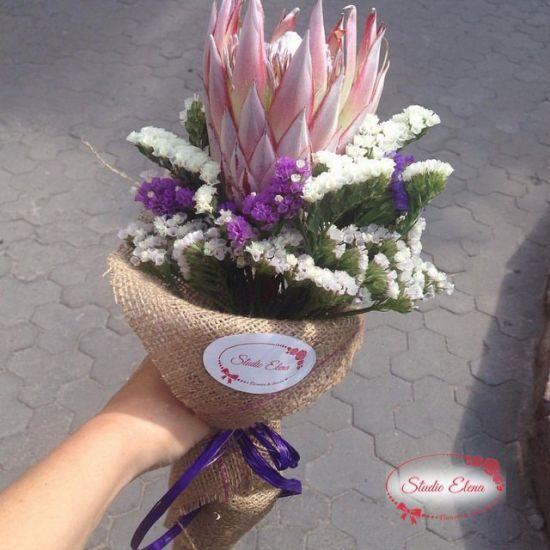 Букет квітів - Протея