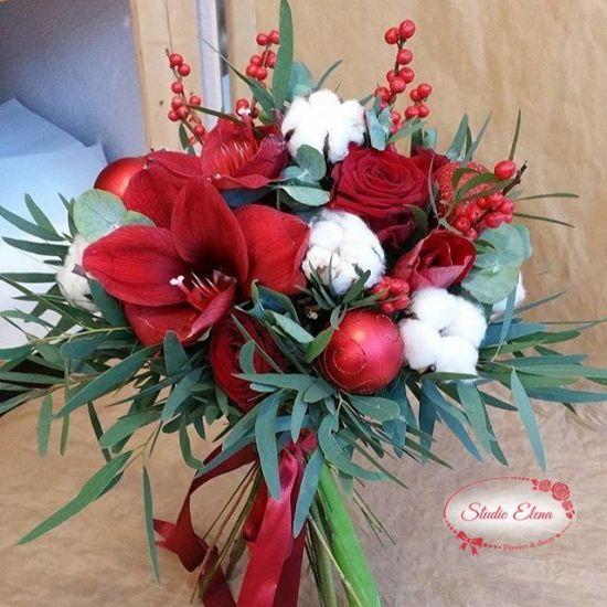 Новогодний букет из иликса и эвкалипта