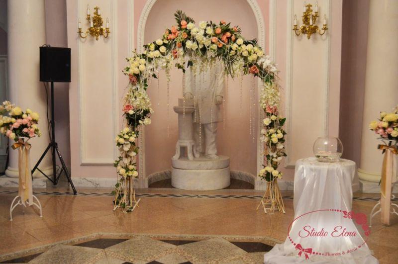 Прикраса на весілля з живих квітів - Квітковий рай