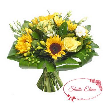 Букет з соняшників і троянд - Сонце в бокалі