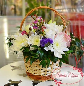Цветы в корзине — Нежность