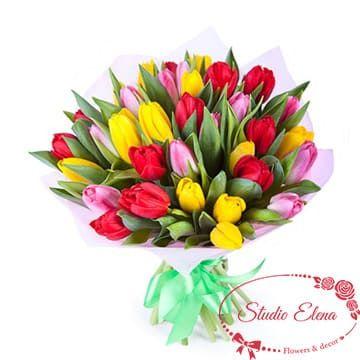 Насичений різними кольорами букет з тюльпанів - Ренесанс