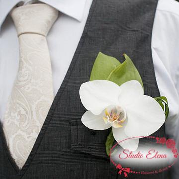 Бутоньерка для изысканной свадьбы