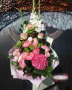 Букет из роз и гладиолуса — Прима