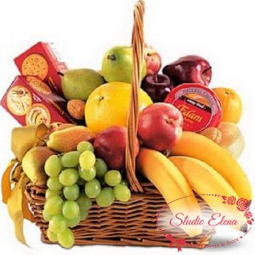 Свежие фрукты в корзине — Рай