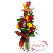 Красно-желтый букет из каллы и розы — Гермиона