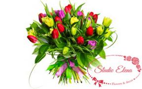 Микс тюльпанов в букете — Коко Шанель