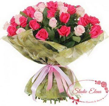 Букет з червоних і пурпурних троянд - Кураж