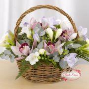 Букет цветов Арктур в корзине
