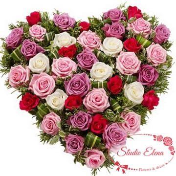 Букет в постельних тонах з троянд - Малібу