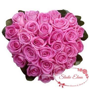Рожеві троянди в формі серця - Маркіза