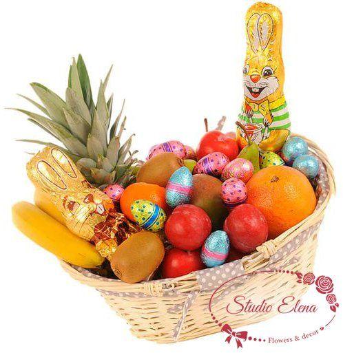 Букет из фруктов в Пасхальной корзине