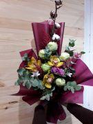 Піоновідна Троянда з орхідеєю