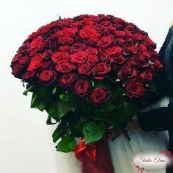 Букет из 101 бордовой розы — Магия