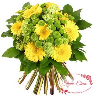 Аккуратный букет гербер и хризантем — Сафари