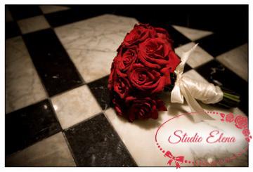 Букет из разных роз — Карлин