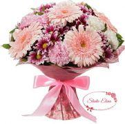 Букет цветов в розовых тонах — Амбре